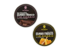 FRESH CHEESE WITH FLAVOURS - Fresh pasteurized cow¿s milk Cheese with chocolate or  honey.