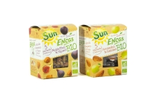 Encas bio - Organic snacks of dried fruit and nuts in pouch to go. AB and European certification. In a box of five 30g pouches.<br /> <br><br>Selected for the healthy snack positioning.<br>
