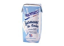 Ambient drinking yogurt - Shelf-stable yogurt in mini TETRA PAK® carton to-go with straw. Pasteurized. 100% French cow's milk. 3.2% fat. Source of calcium and protein. Halal.<br><br>Selected for the offer of shelf-stable yogurt drink.<br>Selected for the production process.<br>