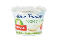 Crème fraîche 100% lait de chèvre - Sour cream with goat's milk. French milk origin. With recipe suggestion.<br><br>Selected for the offer of sour cream with goat's milk. <br>