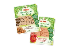 Armonie di Verdura - Vegetable-based delicatessen substitute, source of protein and fiber. Preservative free. Vegetarian. Made with natural ingredients. Gluten free. In an ecological tray with 60% less plastic than a classic tray.<br><br>Selected for the 100%-vegetarian vegetable or pulse-based recipe.<br>