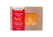 """Tradition Noël Laponie - Smoked salmon rubbed with Christmas spices. Origin Lapland. Traditional slow smoking with beech and chestnut wood. In limited edition.<br><br>Selected for the new taste provided by the """"rubbed with spices"""" recipe.<br>"""