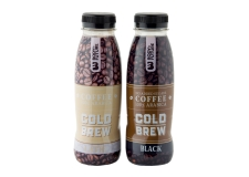 Cold Brew coffee pure 0,33l pet - Cold brew coffee. Preserves taste and antioxidants. Less acidity than a hot brewed coffee. In a bottle to go.<br><br>Selected for the proposal of cold-brew coffee.<br>